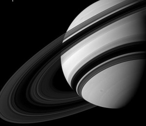 saturn blk and white